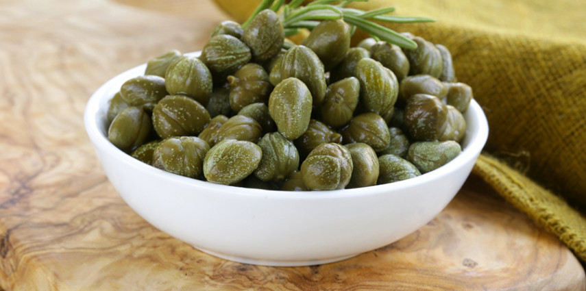 Properties of capers not only in the kitchen | Sapori Eoliani